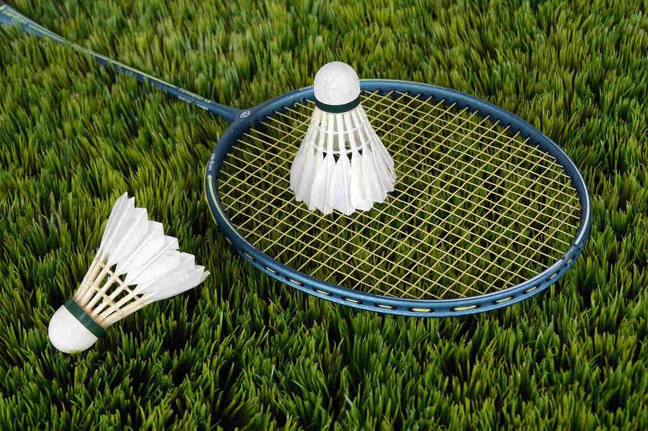 zasady gry w badminton