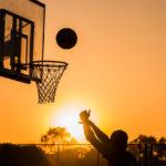 zasady gry w koszykówkę