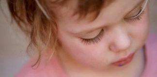 Jak pomóc maluchowi z walce z katarem