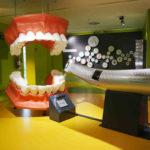 Jak dbać o protezę zębową
